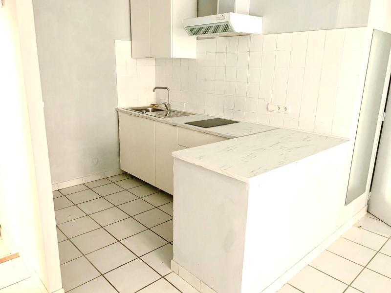 Location appartement Aix en provence 690€ CC - Photo 2