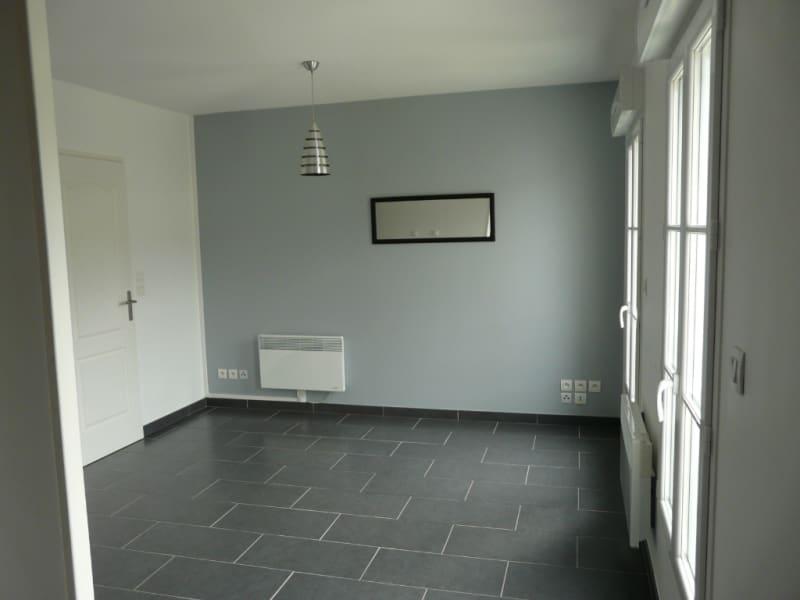 Rental apartment La rochelle 452€ CC - Picture 1