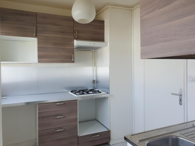 Rental apartment Noisy le grand 755€ CC - Picture 2