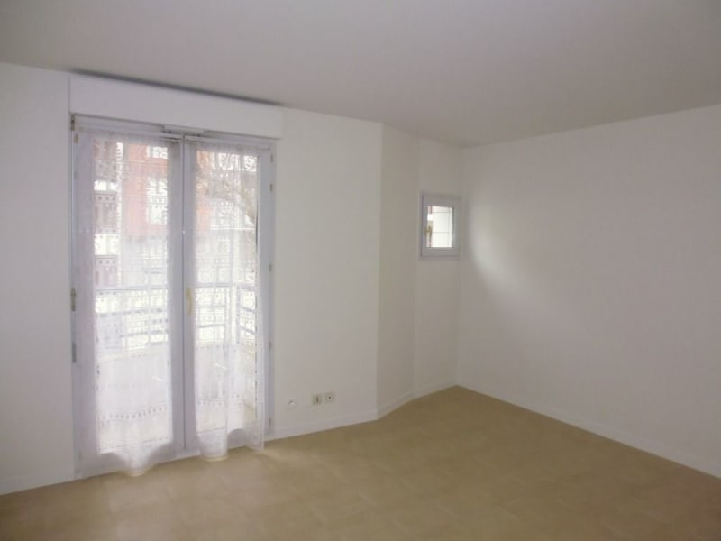 Location appartement Nantes 405,83€ CC - Photo 1