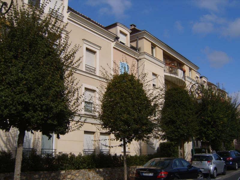 Rental apartment Verrieres le buisson 620€ CC - Picture 1