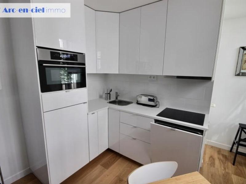 Rental apartment Paris 17ème 2095€ CC - Picture 6