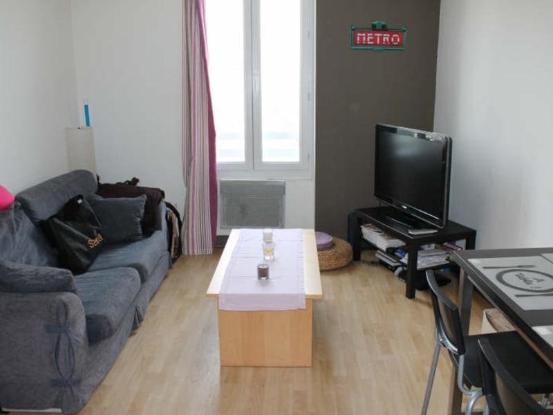 Rental apartment Langon 387,12€ CC - Picture 1