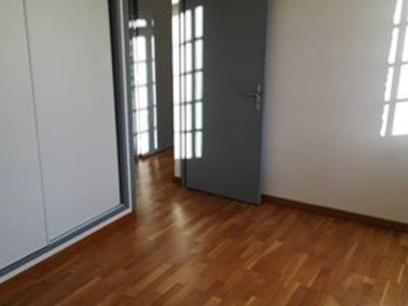 Location appartement Aire sur la lys 609,54€ CC - Photo 3