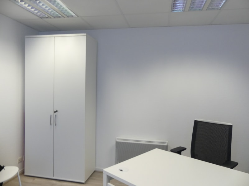 Location local commercial Pont l abbe 756,24€ HC - Photo 1