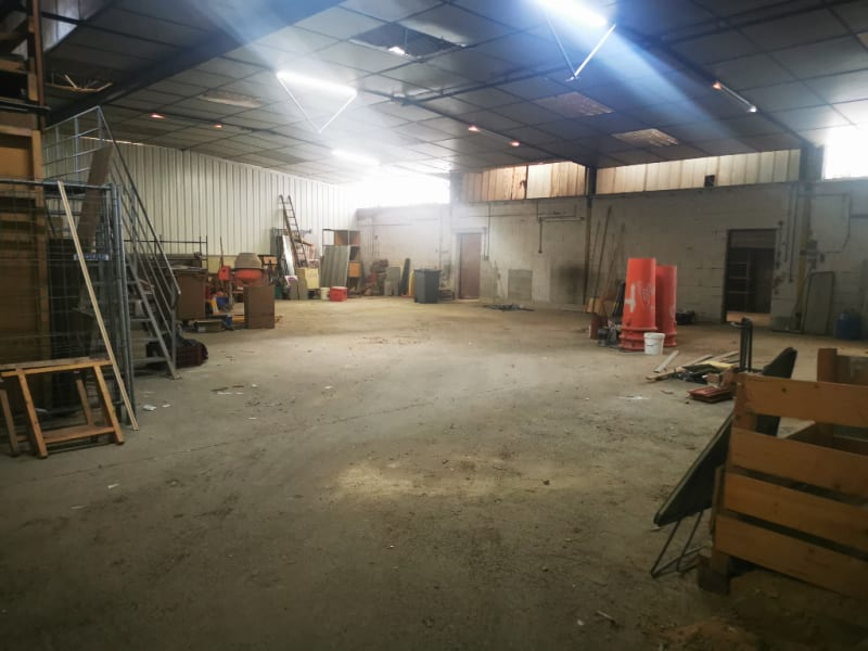 Location local commercial Les angles 1 500€ HC - Photo 2