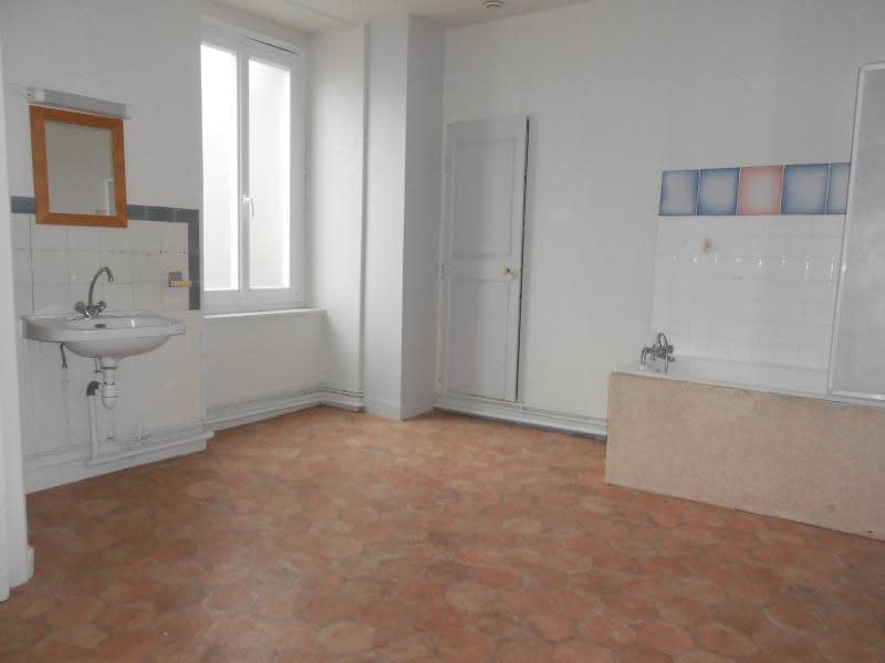 Rental apartment Nogent sur seine 505€ CC - Picture 5
