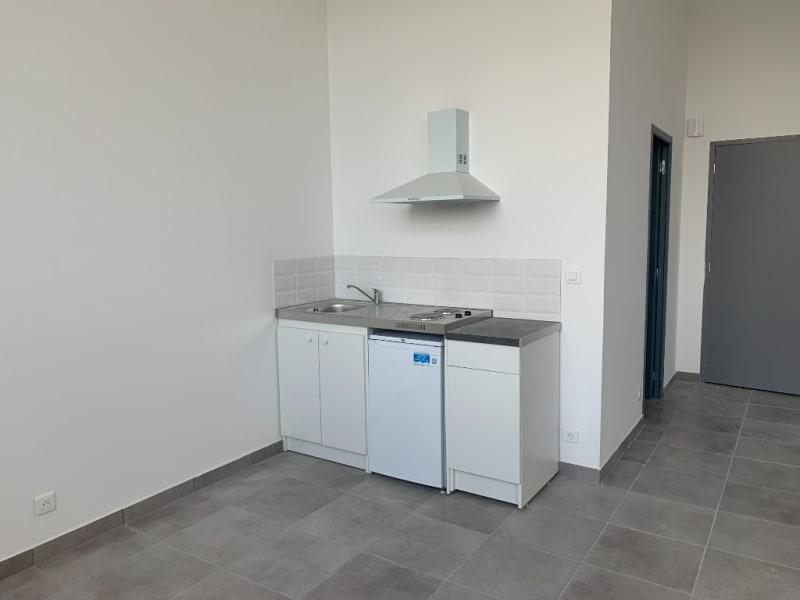 Rental loft/workshop/open plan Bannalec 575€ CC - Picture 3