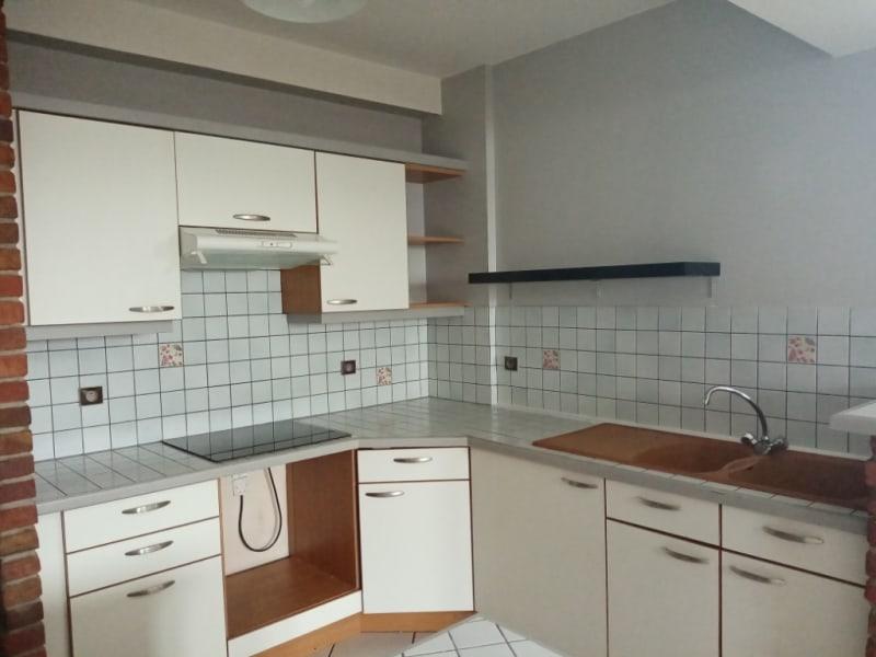 Location appartement Saint quentin 610€ CC - Photo 3