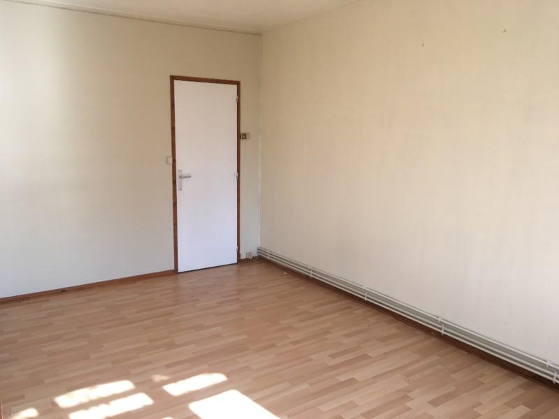 Rental apartment Saint quentin 375€ CC - Picture 3