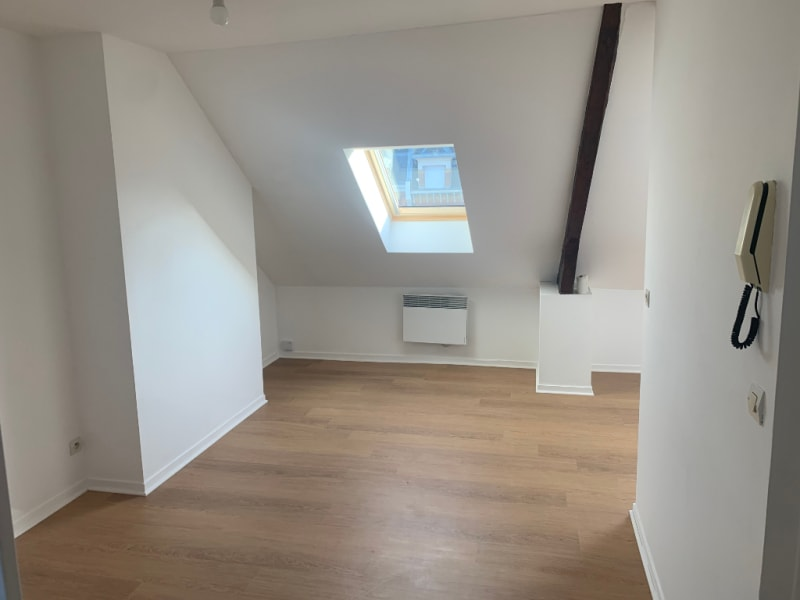 Location appartement Saint quentin 385€ CC - Photo 1