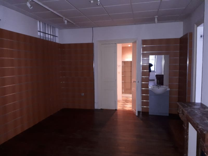 Location local commercial Saint quentin 650€ HC - Photo 1