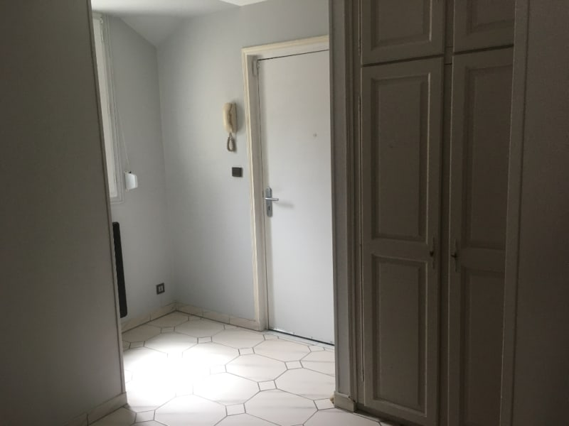 Location appartement Saint quentin 800€ CC - Photo 2
