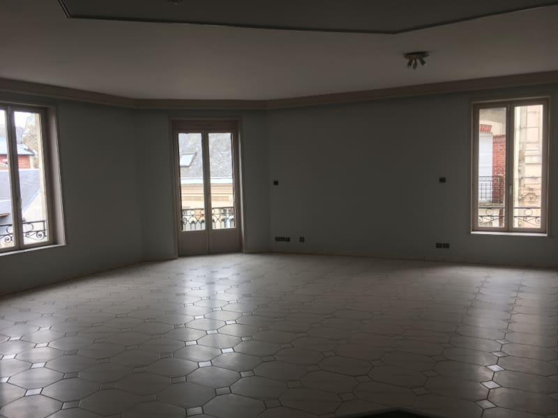 Location appartement Saint quentin 800€ CC - Photo 3