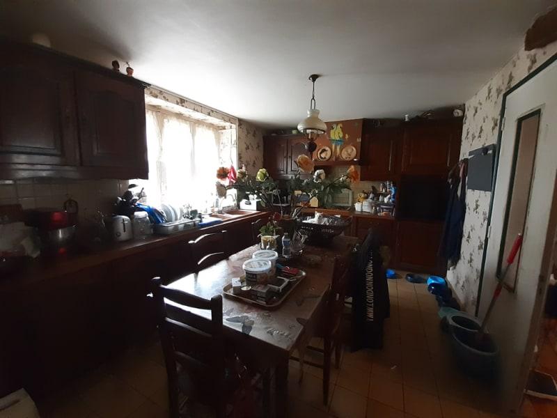 Sale house / villa Landeleau 79920€ - Picture 5