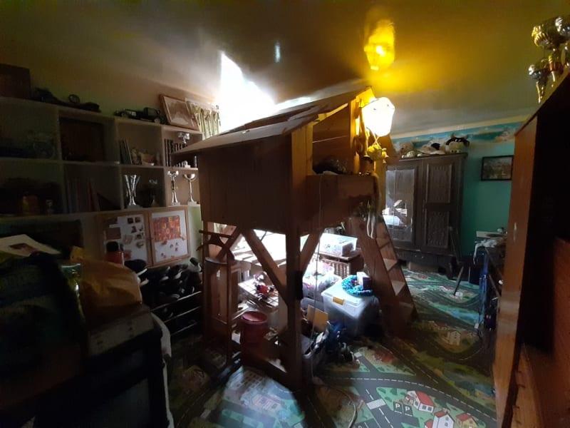 Sale house / villa Landeleau 79920€ - Picture 7