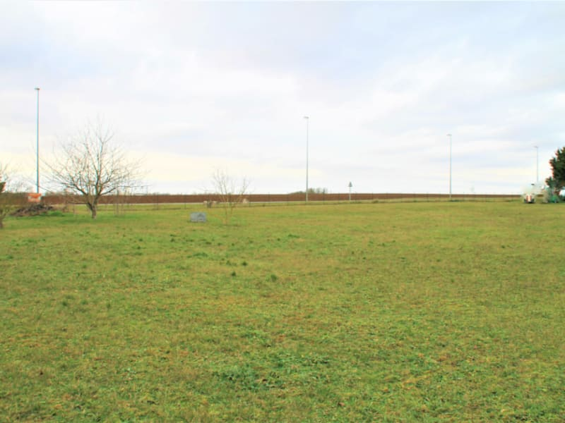 Sale site Beaugency 105500€ - Picture 1