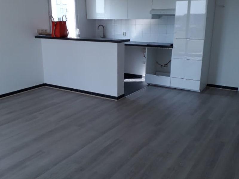 Sale apartment Chanteloup les vignes 143400€ - Picture 2