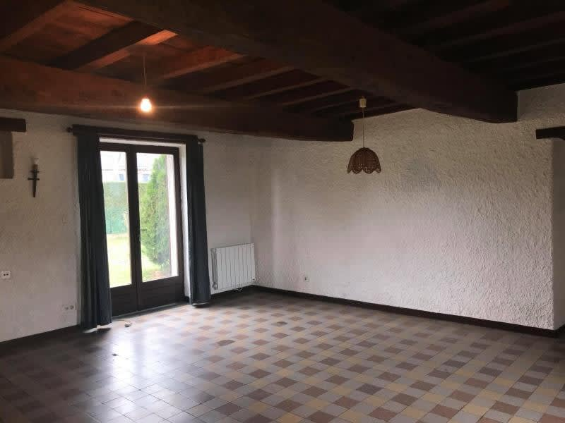 Rental house / villa Ouches 700€ CC - Picture 4