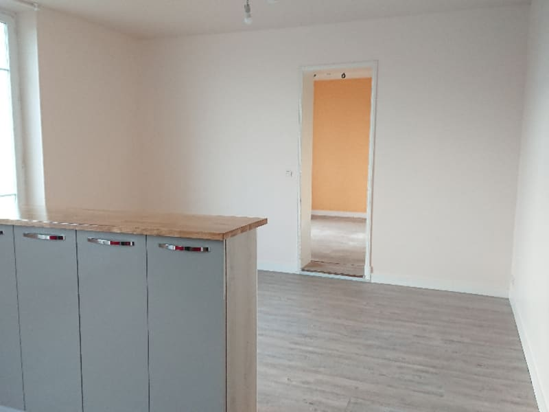 Rental apartment Athis mons 710€ CC - Picture 2