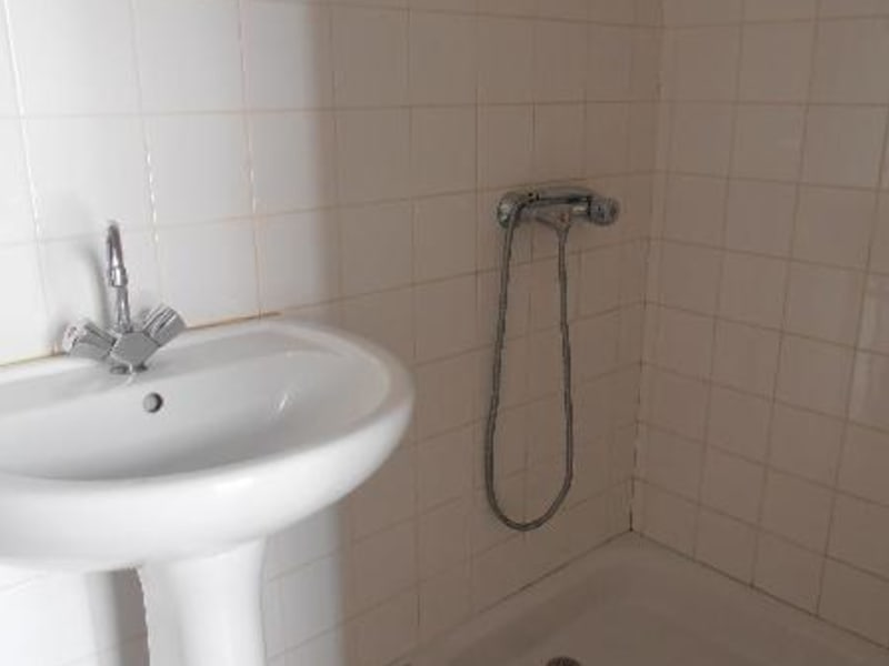 Rental apartment St martin du fresne 320€ CC - Picture 3