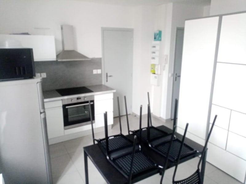 Location appartement Henonville 650€ CC - Photo 2