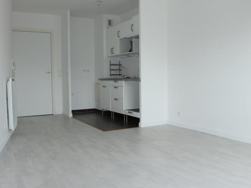 Rental apartment Osny 785€ CC - Picture 2