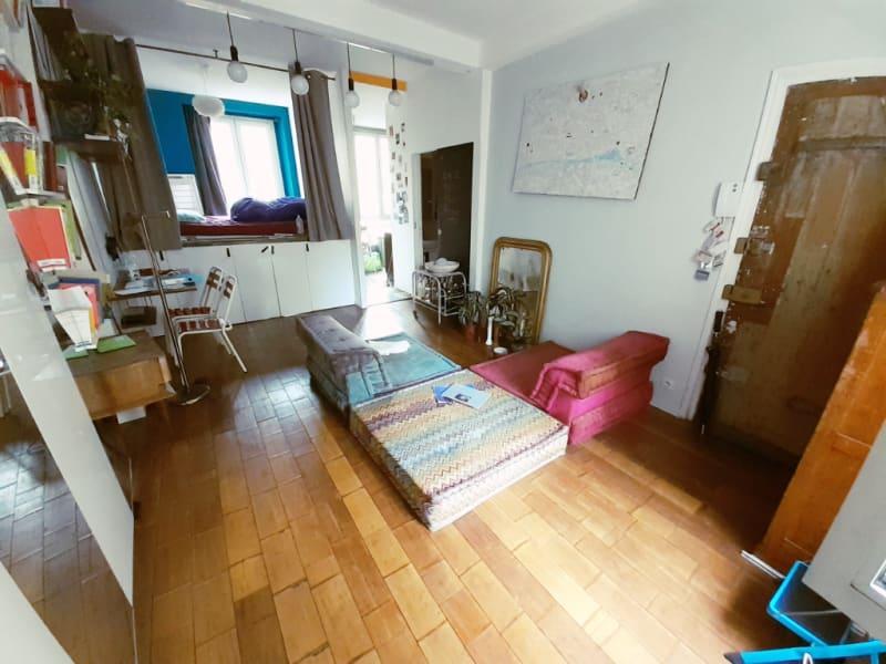 Sale apartment Paris 10ème 375000€ - Picture 2
