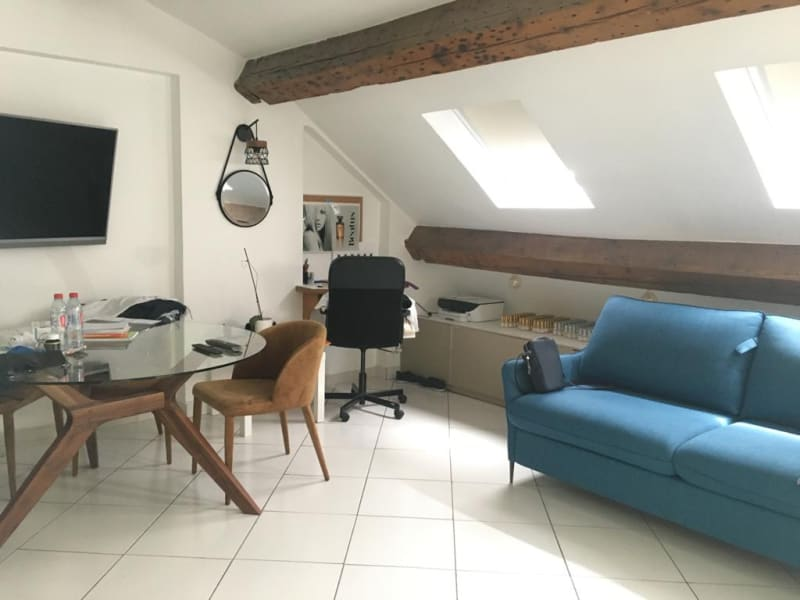 Location appartement Paris 9ème 1 150€ CC - Photo 1