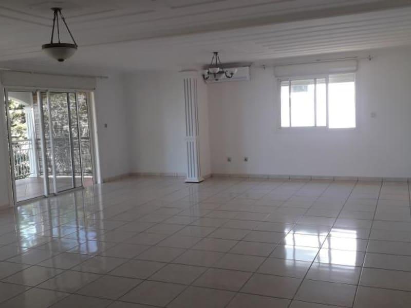 Rental house / villa St denis 2750€ CC - Picture 2