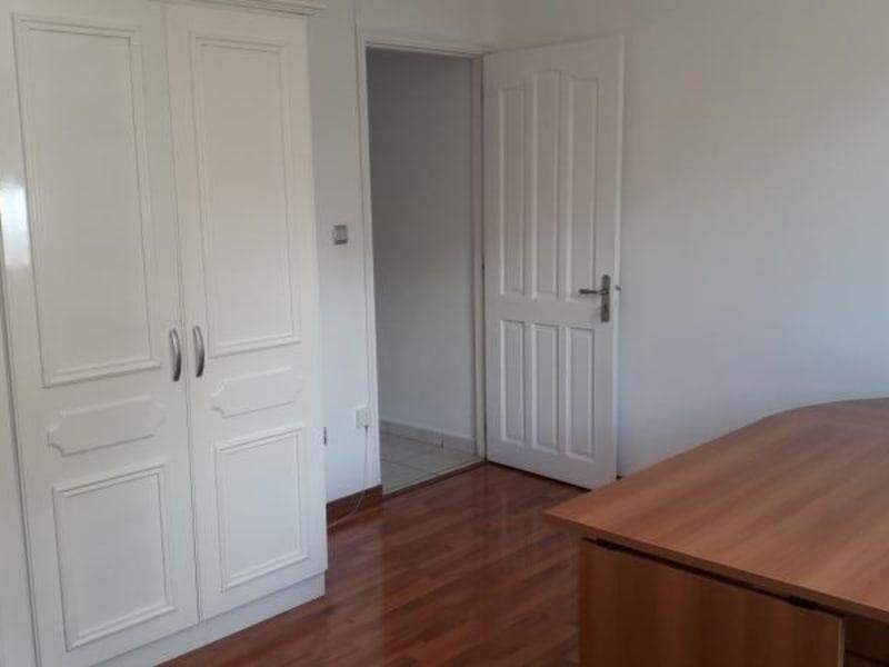 Rental house / villa St denis 2750€ CC - Picture 7
