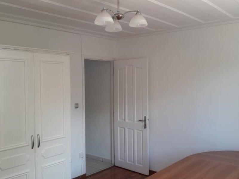 Rental house / villa St denis 2750€ CC - Picture 8