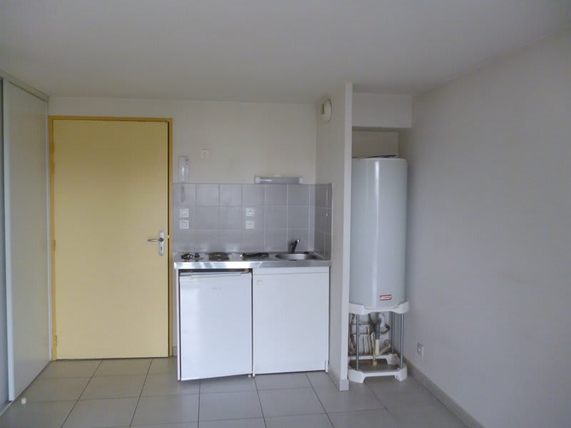 Location appartement Tarbes 386€ CC - Photo 1