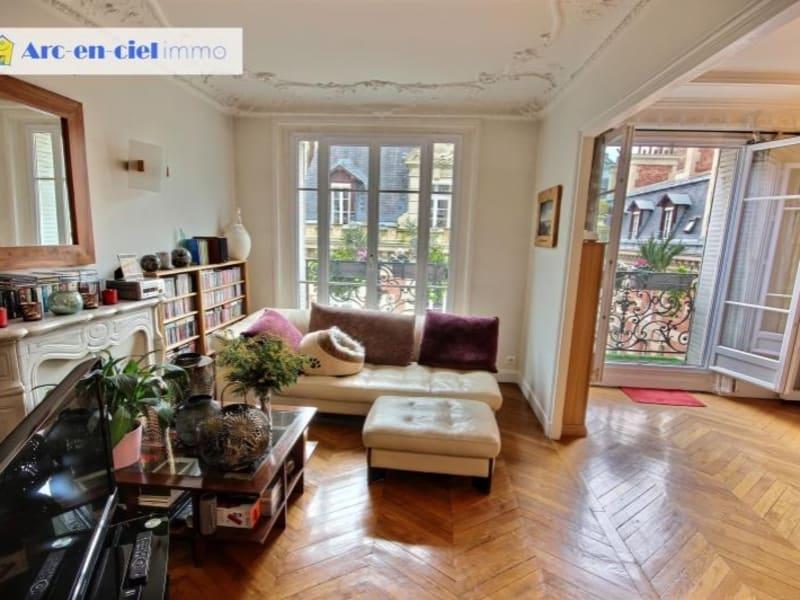 Vente de prestige appartement Paris 18ème 998000€ - Photo 2
