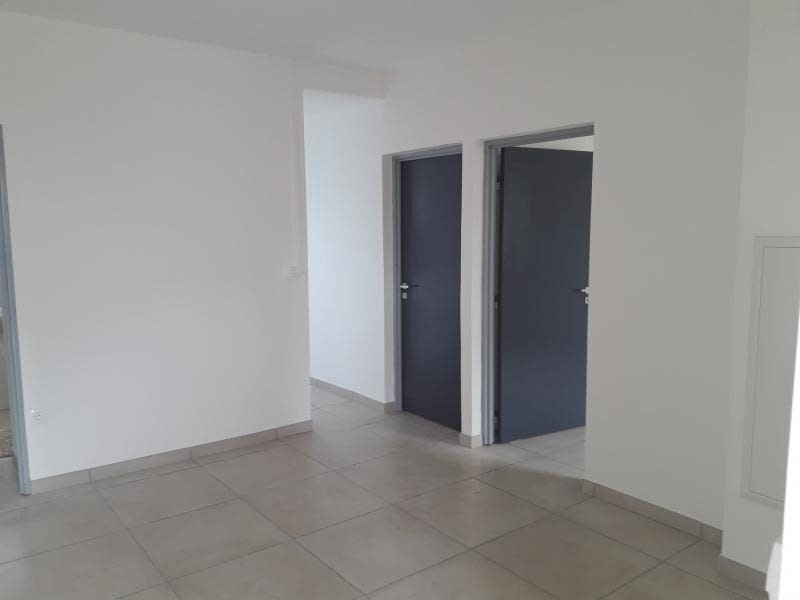 Location maison / villa St andre 1 250€ CC - Photo 4