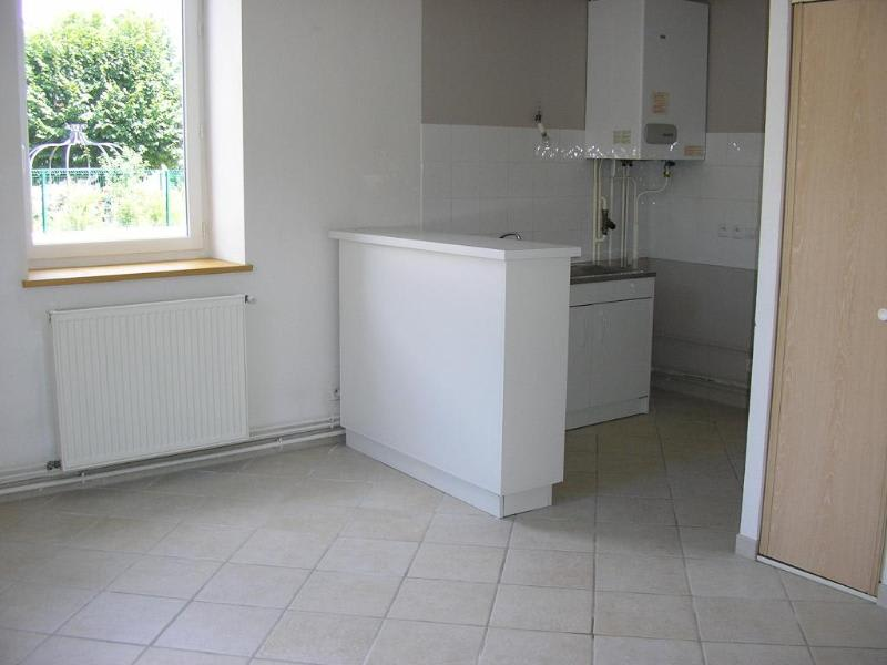 Location appartement Bellignat 394€ CC - Photo 1
