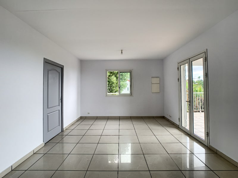 Rental house / villa Le tampon 977€ CC - Picture 6