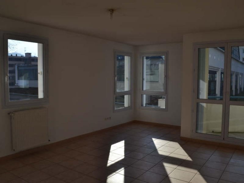 Location appartement Chambery 692€ CC - Photo 1