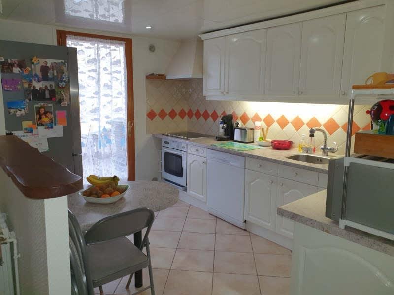 Sale house / villa Lesigny 333500€ - Picture 2