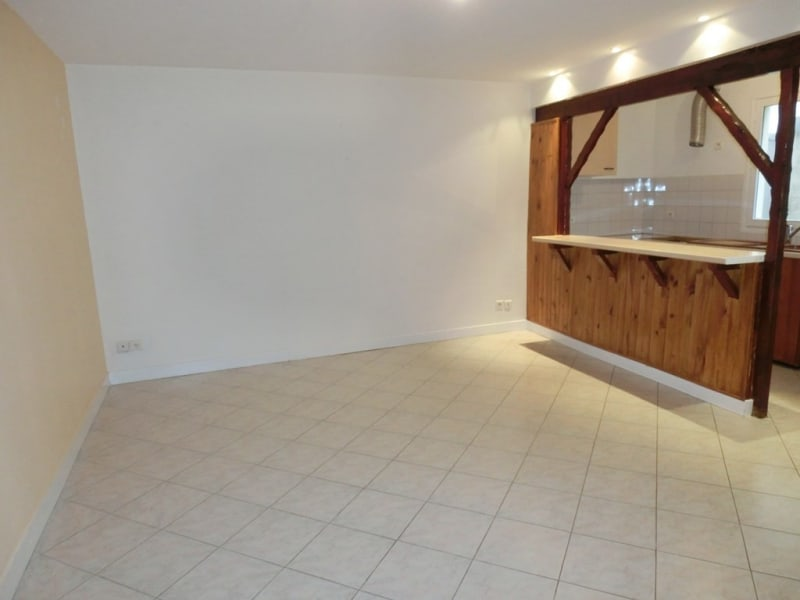 Location appartement Carrieres sous poissy 770€ CC - Photo 5