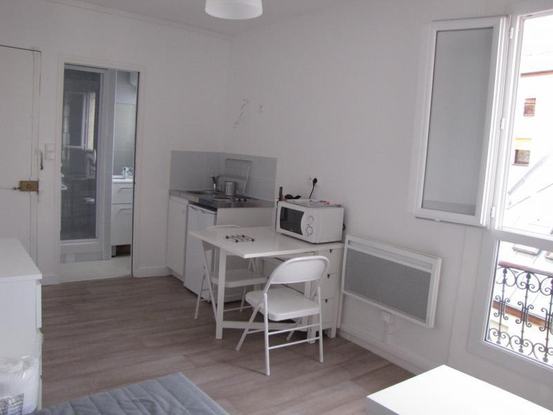 Rental apartment Paris 11ème 680€ CC - Picture 2