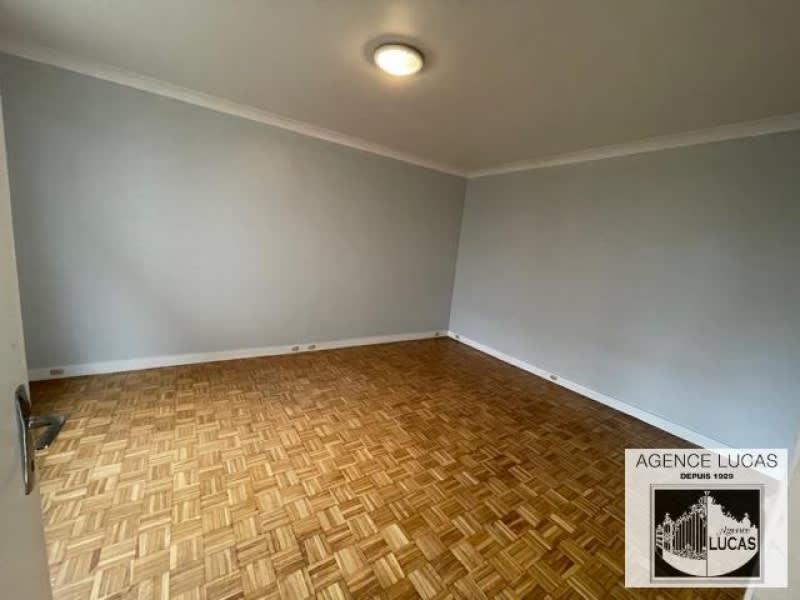 Rental apartment Clamart 950€ CC - Picture 2