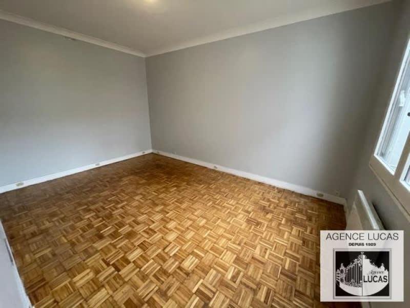 Rental apartment Clamart 950€ CC - Picture 4