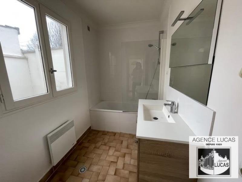 Rental apartment Clamart 950€ CC - Picture 5