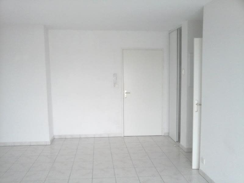 Location appartement Neuville de poitou 420€ CC - Photo 4