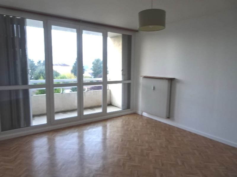 Location appartement Belleville en beaujolais 595,75€ CC - Photo 1