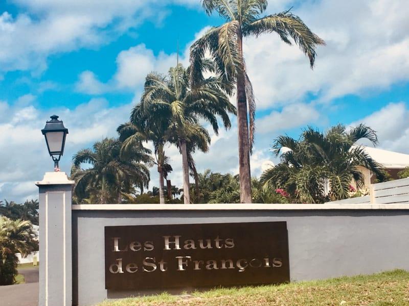 Location maison / villa Saint francois 1300€ CC - Photo 1