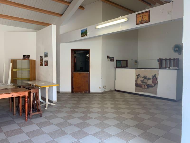 Location local commercial Saint francois 1000€ HC - Photo 3