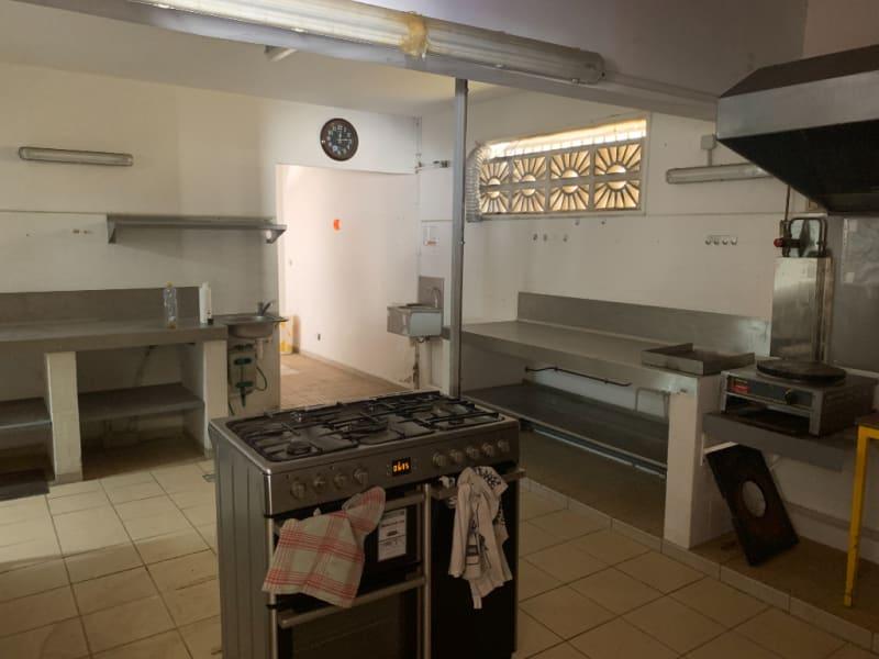 Location local commercial Saint francois 1000€ HC - Photo 4