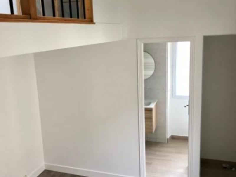 Location appartement Croissy sur seine 945€ CC - Photo 2